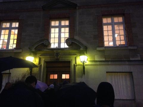 Cité universitaire 開く前の列