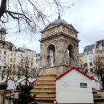 パリのお昼のクリスマスマーケット