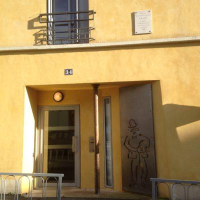 変わり者の天才フランス作曲家、サティが住んでいたアルクイユの家