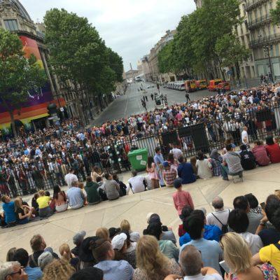パリの7月14日はこんな感じで始まります